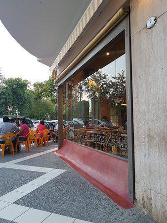 la-capital-cafe-bar