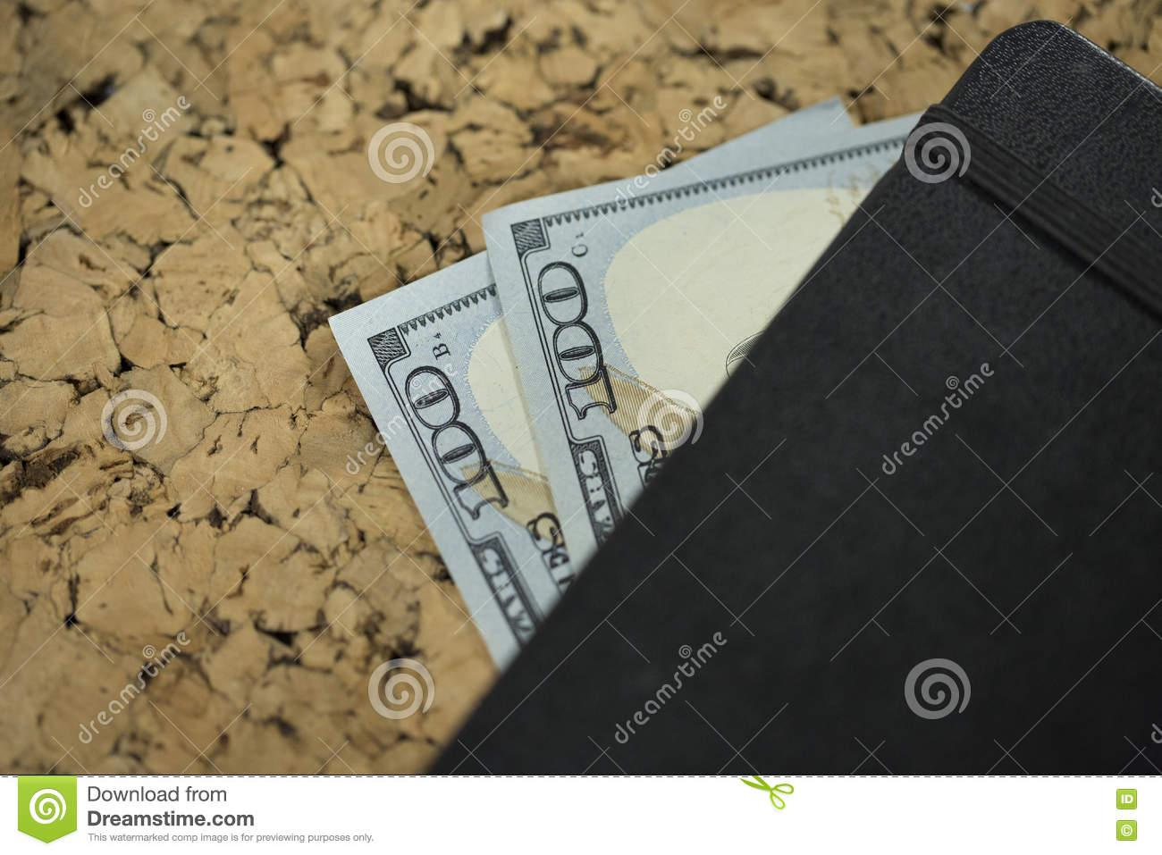 doscientos-dólares-72993206
